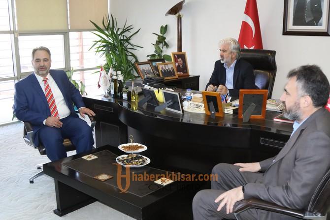 Müftü Türkmenoğlu, Akhisar Belediye Başkanı Salih Hızlı'yı ziyaret etti