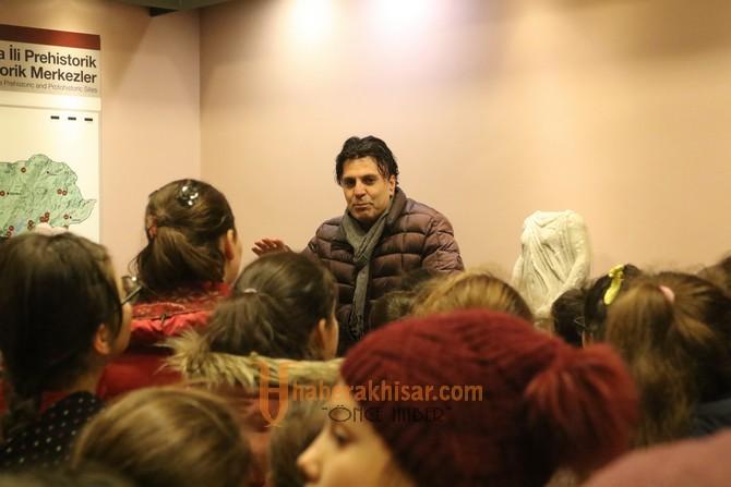 Akhisar Mehmet Akif Ersoy İlkokulu 4.sınıf öğrencileri şehrini keşfetti