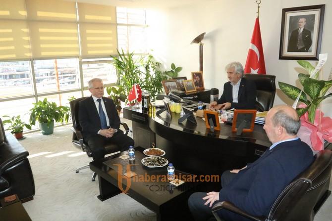 AK Parti yeni yönetiminden Başkan Hızlı'ya ziyaret