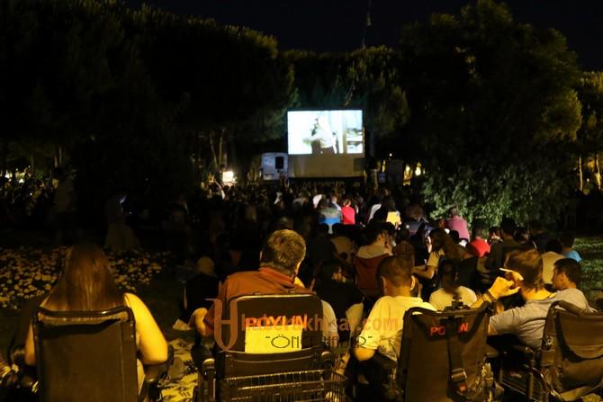 Açık hava sinema günlerinde Kemal Sunal anıldı