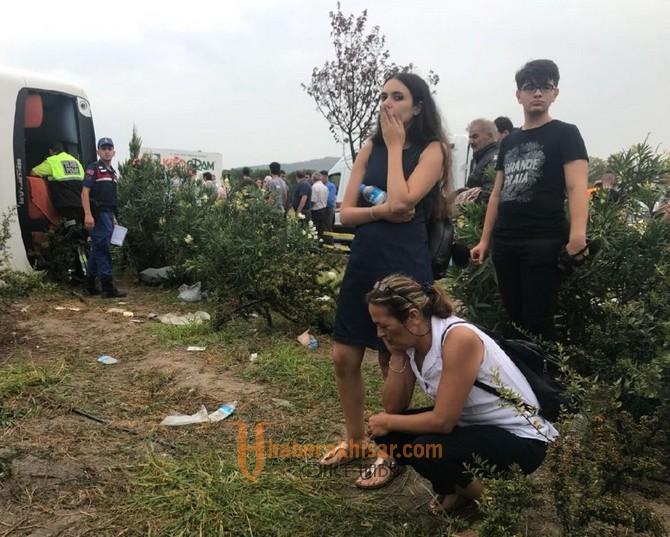 Akhisar'da Yolcu otobüsü Devrildi; 1 Ölü, 41 Yaralı