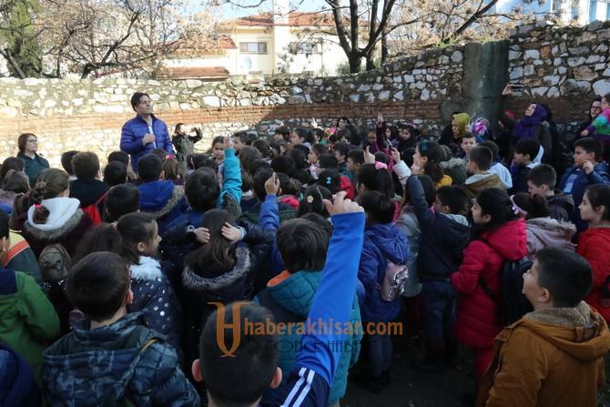 Akhisar Namık Oğul İlkokulu 3.sınıf öğrencileri şehrini keşfetti