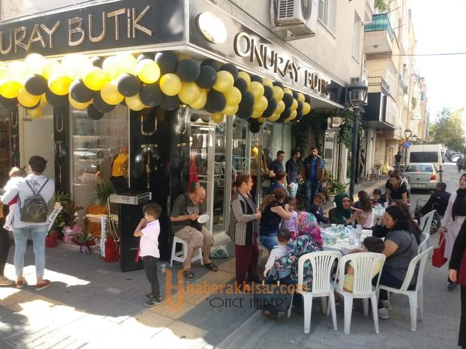 Onuray Butik Akhisarlıların Hizmetine Açıldı