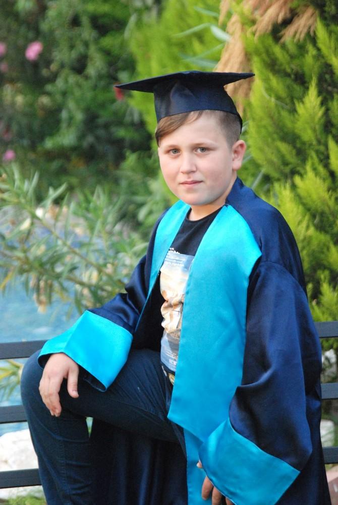 Keskinoğlu Ortaokulu Öğrencilerinin Mezuniyet Heyecanı