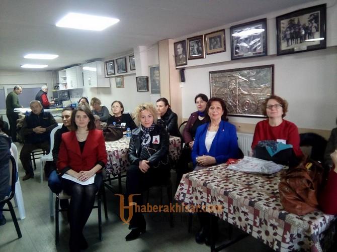 Akhisar CHP Kadın Kolları Yeni Başkanını Seçti