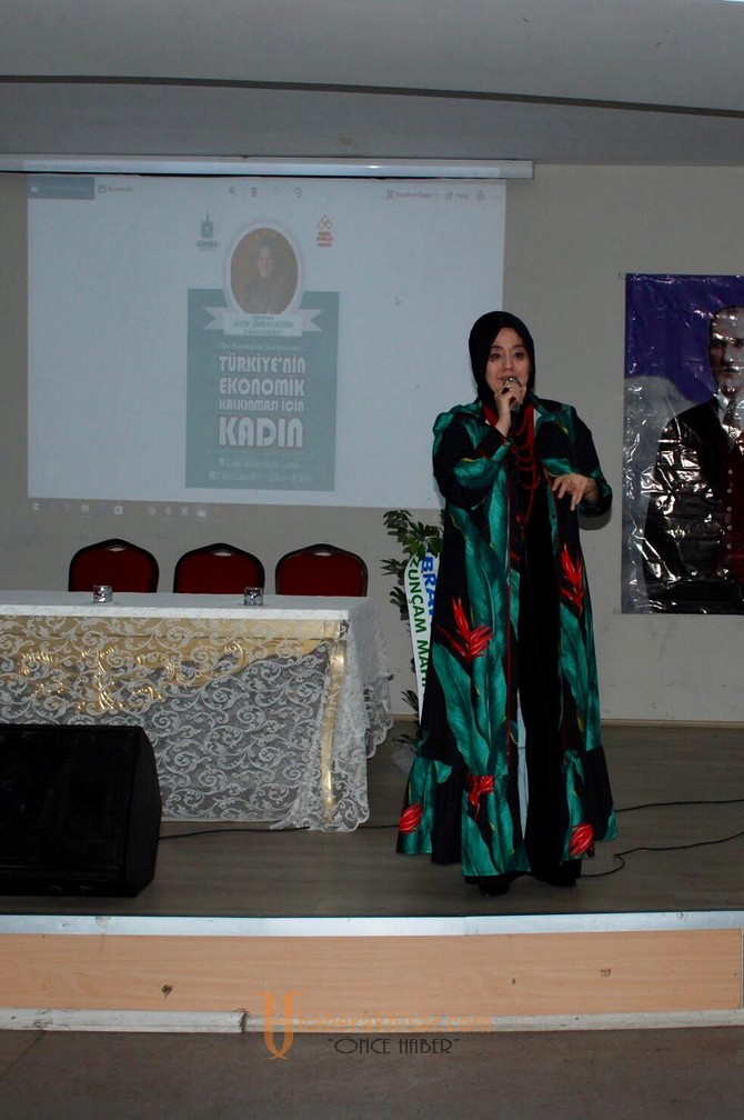 Şükran Füzün, Gördesli kadınlara seminer verdi