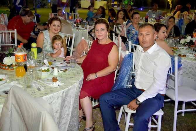 Serbest Ailesinin Mutlu Günü