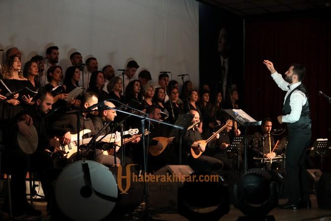 Akhisar Belediyesi THM Korosu ilk konserini verdi