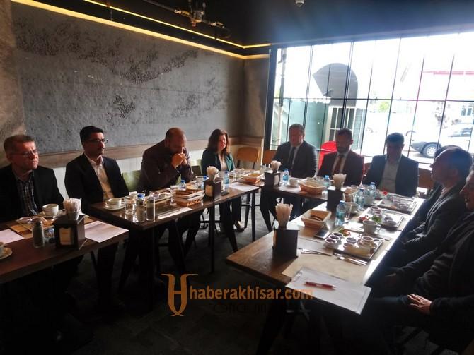 Eğitime Destek Platformu Akhisarda İlk Toplantısını Yaptı
