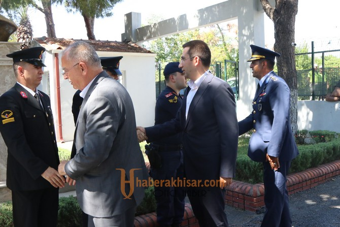 Kurban Bayram'ında Akhisar protokolü bayramlaştı