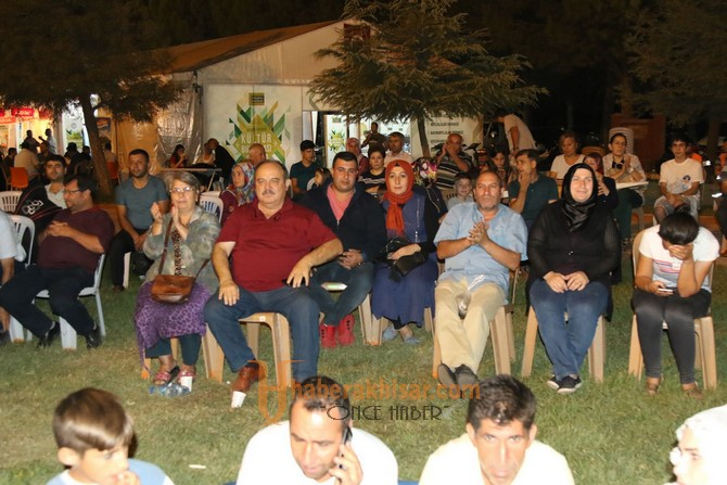 Akhisar'daki Balıkesirliler unutulmaz bir gece yaşadı