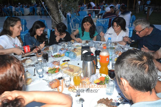 Türk Eğitim-Sen Geleneksel İftar Yemeğinde buluştu