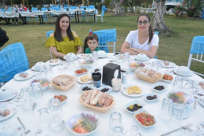 Çelenlioğlu Ailesi İftar yemeğinde Buluştu