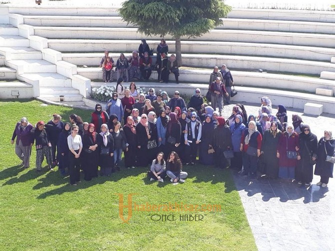 Akhisarlı Kadınların Manisa Turu Devam Ediyor