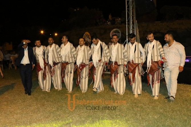 Akhisar Kültür Buluşmasında Bitlisler Gölet alanında buluştu