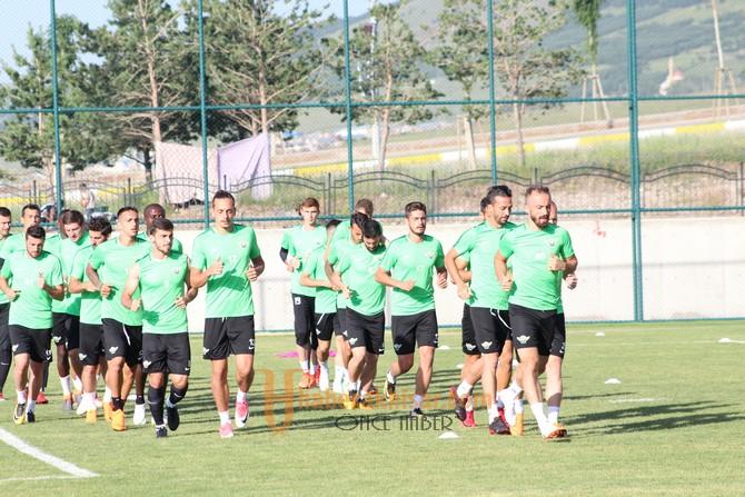 Akhisarspor Erzurum'da Çalışmalarını Sürdürüyor