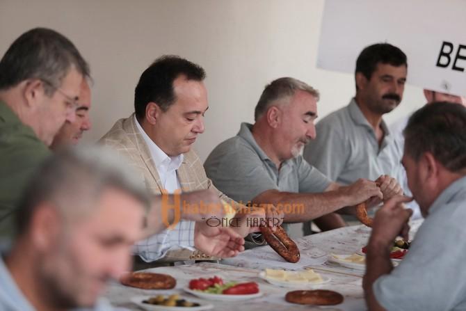 Başkan Besim Dutlulu, Mesaiye İşçilerle Kahvaltı Yaparak Başladı