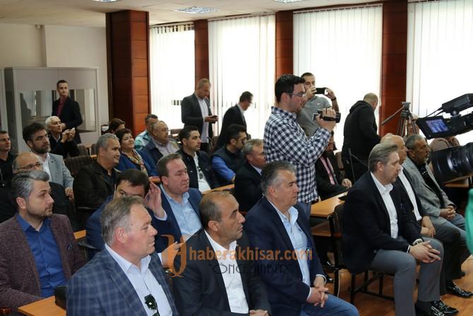 Salih Hızlı ve heyeti, kardeş şehir Gostivar Belediyesi'ni ziyaret etti
