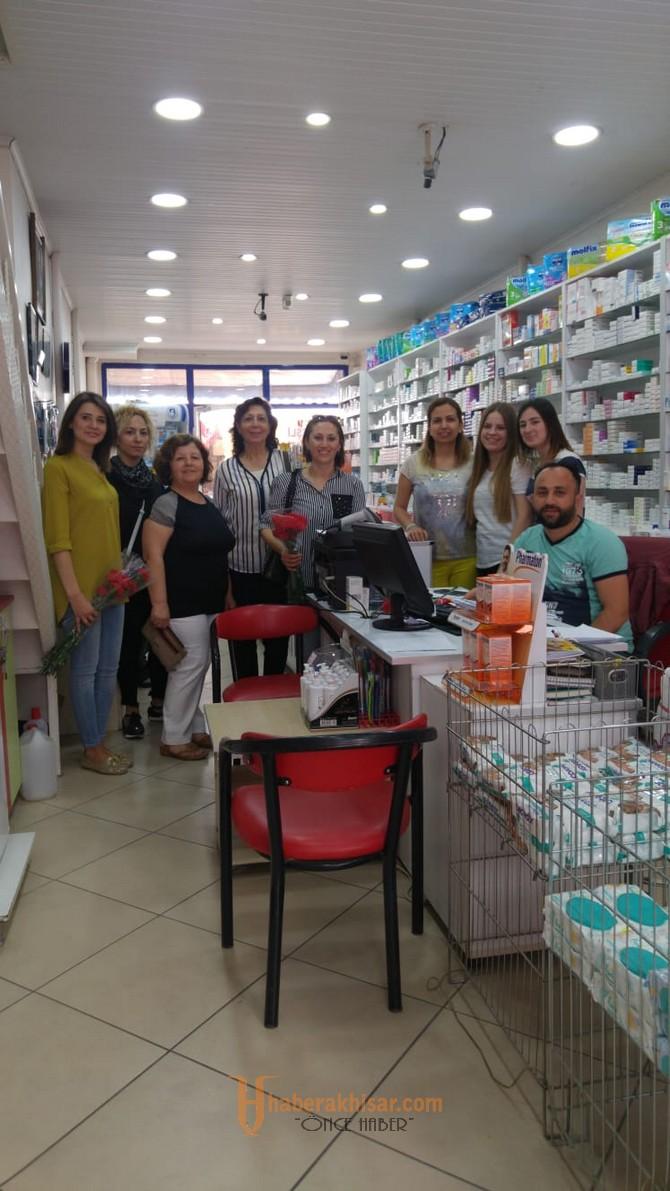 CHP Kadın Kolları Eczacılar Günü'nü unutmadı
