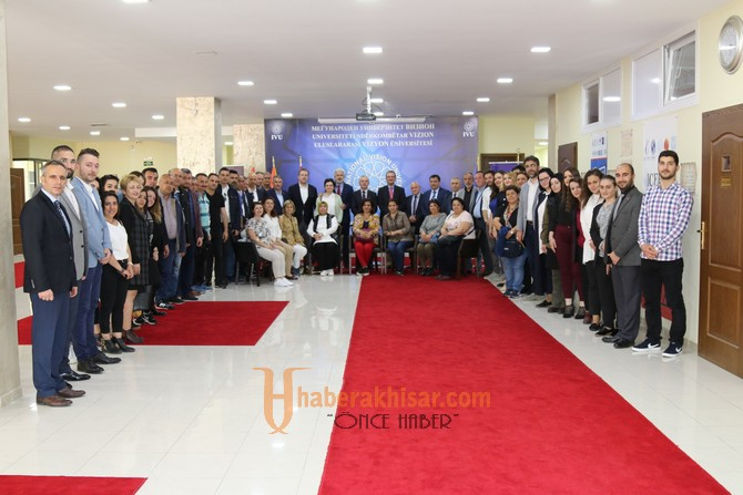 Salih Hızlı ve beraberinde heyet, Makedonya'da Vizyon Üniversitesini ziyaret etti