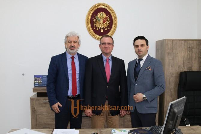 Akhisarlı heyet, Makedonya'da Mustafa Kemal Atatürk İlkokulunu ziyaret etti