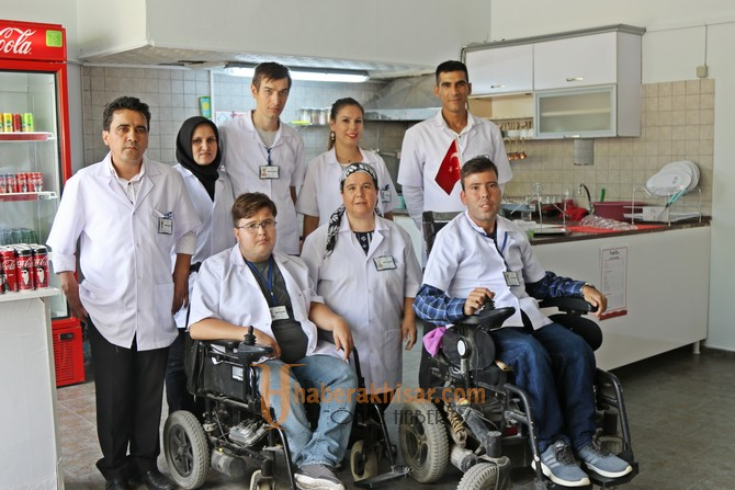 Engelsiz kafe, engelli bireylere gelir kapısı olacak
