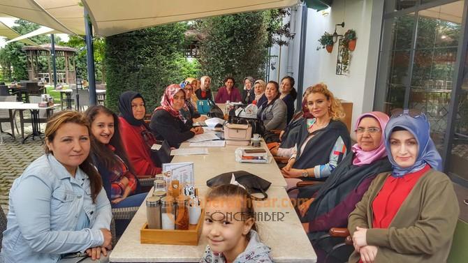 Akhisarlı Ak Kadınlar seçime hazır