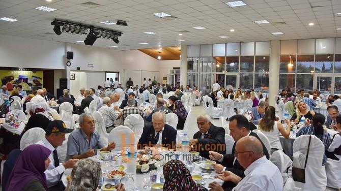 Akhisarlı protokol üyeleri gazilerle akşam yemeğinde buluştu