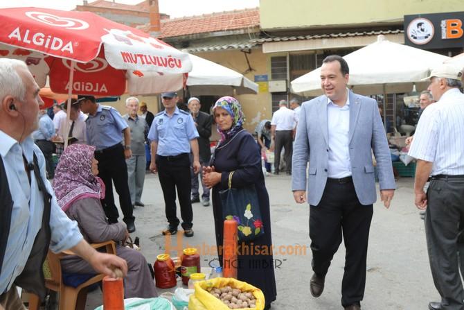 Belediye Başkanı Dutlulu, köylü pazarını ziyaret etti