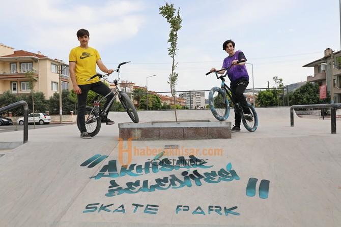 Başkan Dutlulu Gençlere Sözünü Tuttu, Skate Park Hizmete Açıldı