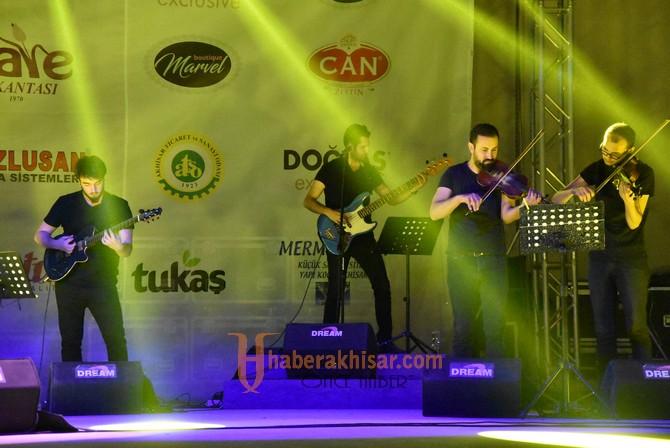 Akhisar'da festival tüm hızıyla devam ediyor