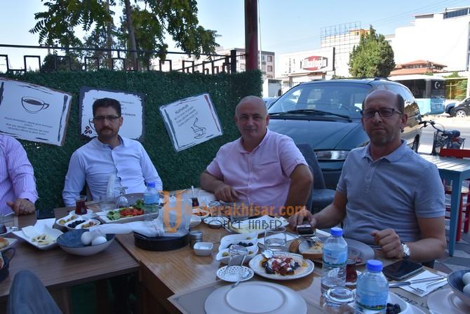 AK Parti İlçe Teşkilatı Basın Bayramını Kutladı