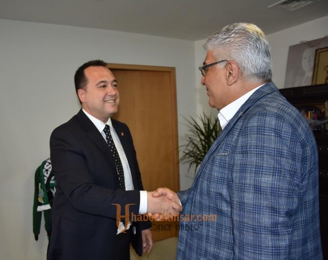 Akhisar Belediyesi 12 yıl sonra memurlarla toplu sözleşme imzaladı